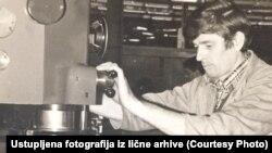Nakon Titove intervencije, Momčilo je, priča, dobio stan (Na fotografiji Momčilo u vreme dok je radio)