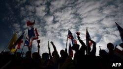 Бангкоктегі наразылық шеруі. Таиланд, 25 қараша 2013 жыл.