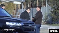 Начальник військової розвідки генерал-полковник Василь Бурба одразу після візиту в ОП 17 квітня мав неафішовану зустріч з Костянтином Куликом, колишнім прокурором сил АТО, якого НАБУ та САП обвинувачували у незаконному збагаченні