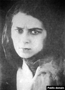 Ариадна Скрябина в юные годы