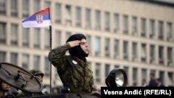 Ivan Đurić: Verujem da mladi u tim godinama više treba da se okrenu sebi i nekom ličnom usavršavanju (na fotografiji: sa vojne parade u Beogradu, 2014.)