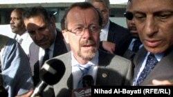 ممثل أمين عام الأمم المتحدة في العراق مارتن كوبلر يتحدث في كركوك