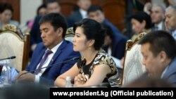 Президент Сооронбай Жээнбековдун кыргыз мигранттары менен жолугушуусу. 2-август, 2019-жыл.