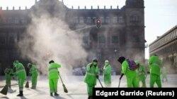 Čišćenje ulica Meksiko Cityja, 20. srpnja