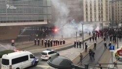 Фламандські активісти та футбольні хулігани. Протести у Брюсселі тривають – відео