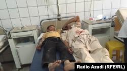 Пострадавшие в результате взрыва в провинции Балх на севере Афганистана, 12 октября 2016 года.