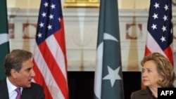 U.S. Secretary of State Hillary Clinton and Pakistani Foreign Minister Mahmood Qureshi held talks at the State Department on October 22.