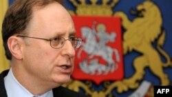 Александр Вершбоу - муовини дабири кулли НАТО