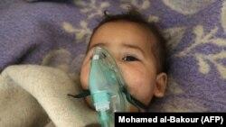 Дитина з Хан-Шейхуна в лікарні після хімічної атаки, 4 квітня 2017 року