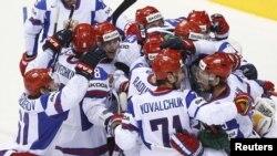 Россия выиграла у Канады на чемпионате мира в Словакии, 12 мая 2011 г