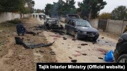 Фото с места атаки на погранзаставу в Таджикистане.