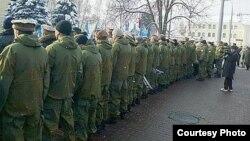 Ветерани-«афганці» спиною до Януковича (фото: http://censor.net.ua)