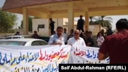 صحفيون يحتجون ضد إساءة معاملتهم بالكوت