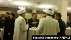 Қазақстан дінтанушыларының бесінші форумы кезінде. Астана, 29 қазан 2015 жыл.