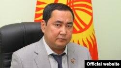 """""""Ар-намыс"""" фракциясынын депутаты Нурлан Төрөбеков."""