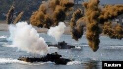 Епізод спільних військово-морських навчань США і Південної Кореї, 2013 рік