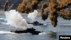 Pamje nga ushtrimet ushtarake K. Jugore - SHBA në vitin 2013