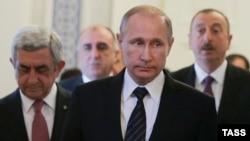 Russia -- Armenian President Serzh Sarkisian, Russian President Vladimir Putin and Azerbaijani President Ilham Aliyev meet to discuss the Nagorno-Karabakh settlement , in St. Petersburg, June 20, 2016