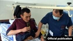 Чек ара чырынан жараат алган 56 бейтап Бишкектеги Травматология жана ортопедия илимий борборунда дарыланып жатат.