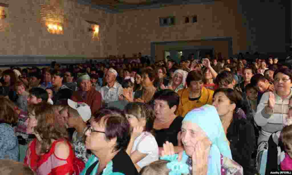 Оренбур өлкәсе Каргалы авылы тамашачылары