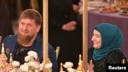Глава Чечни Рамзан Кадыров с женой Медни, март 2017 года