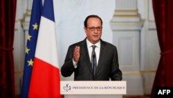 Францускиот претседател дава изјава во Париз на 9 ноември 2016 година.