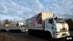 Один із попередніх російських «гуманітарних конвоїв» незаконно в'їжджає на територію України, архівне фото