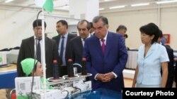 """""""Президент Рахмон ыраазычылыгын билдирип мактады"""""""