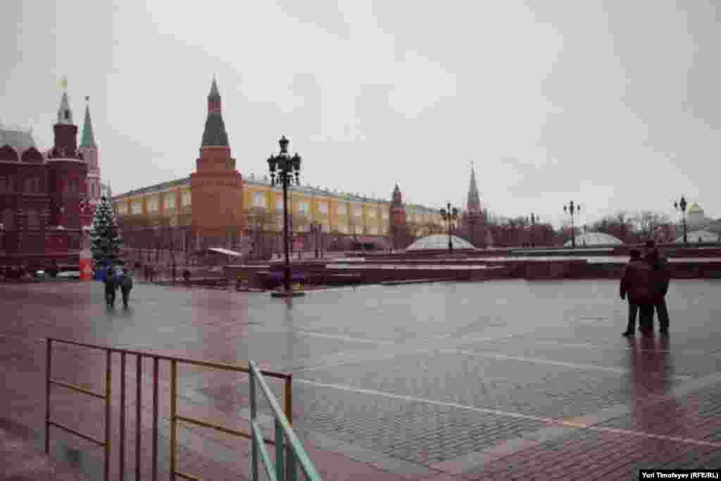Москва, в районе Площади Революции, 10 декабря