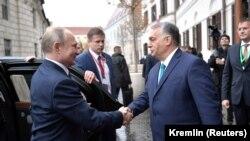 Унгарските власти отрекоха добрите отношения между Будапеща и Москва да имат нещо общо с позицията им