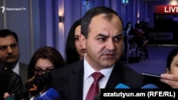 Генеральный прокурор Артур Давтян отвечает на вопросы журналистов (архив)