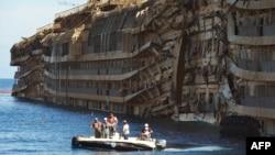Лайнер Costa Concordia.