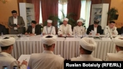 Собрание президиума правления ДУМК в Астане, 20 мая 2015 года.