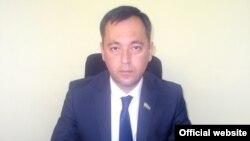 """""""Миллий тикланиш"""" партиясининг янги раиси Сарвар Отамуродов."""