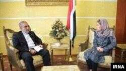 تصویری از دیدارکاترینا ریتز، رئیس نمایندگی کمیته بینالمللی صلیب سرخ با حسن ایرلو، سفیر ایران در یمن