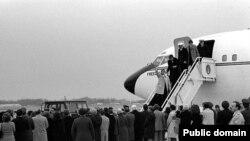 Ostatecii americani sosesc în patrie la 27 ianuarie 1981
