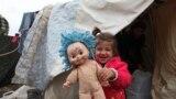 طفلة سورية في أحد مخيمات اللاجئين السوريين في كردستان العراق - 23 كانون الثاني