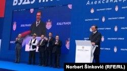 Predsednik Srbije Aleksandar Vučić na mitingu u Novm Sadu