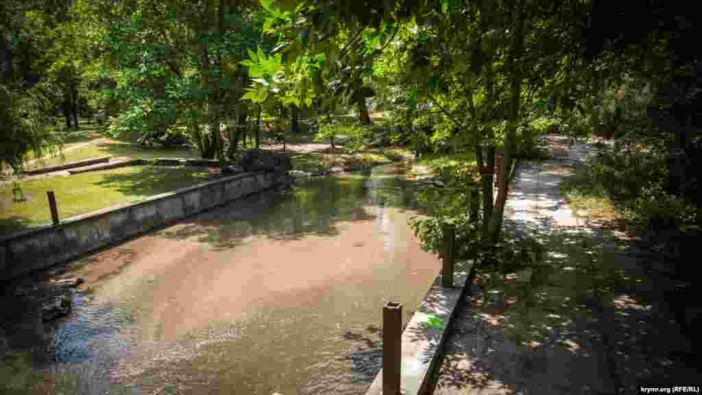 Летом главная река Симферополя заметно мелеет