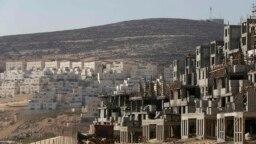 اسرائیل میگوید گسترش ساختوسازها برای پاسخ دادن به رشد جمعیت و نیاز خانوادهها برای داشتن خانههای تازه در کرانه باختری است.