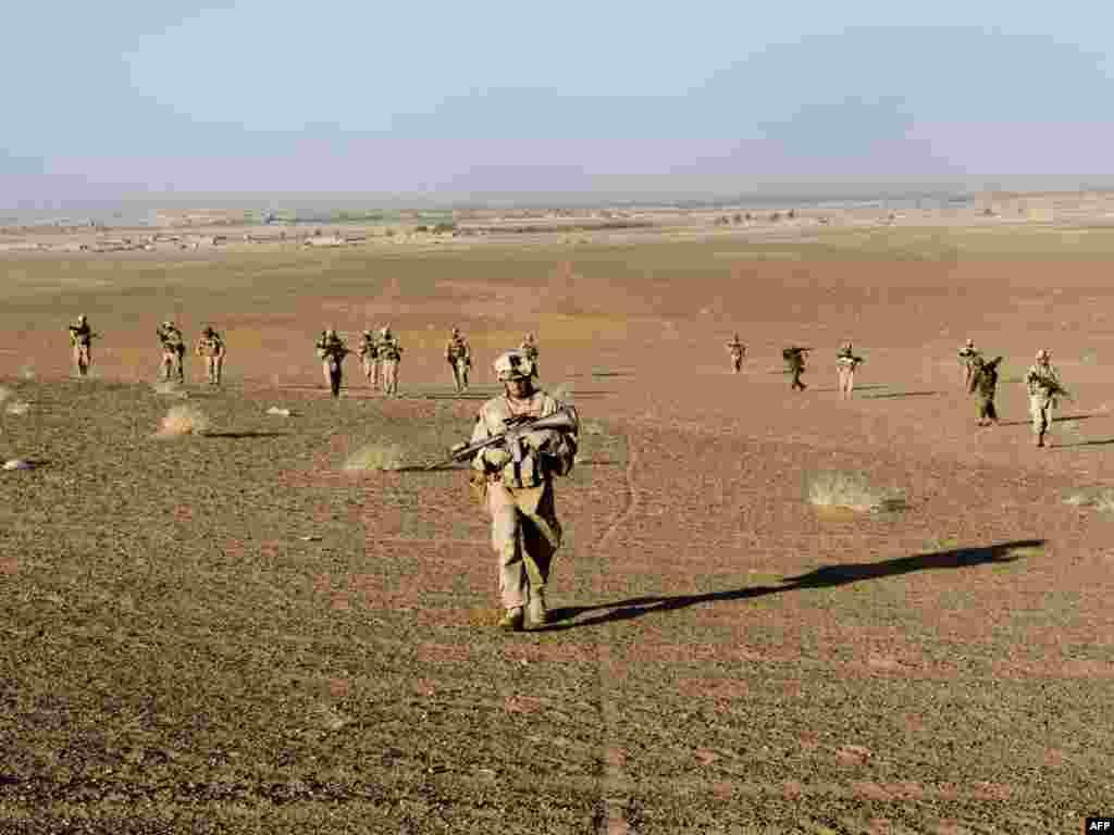 Барак Обама отправит в Афганистан еще 30 тысяч военных