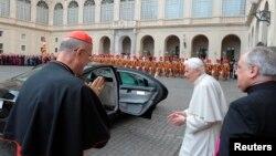 Папа Бэнэдыкт XVI пакідае Ватыкан