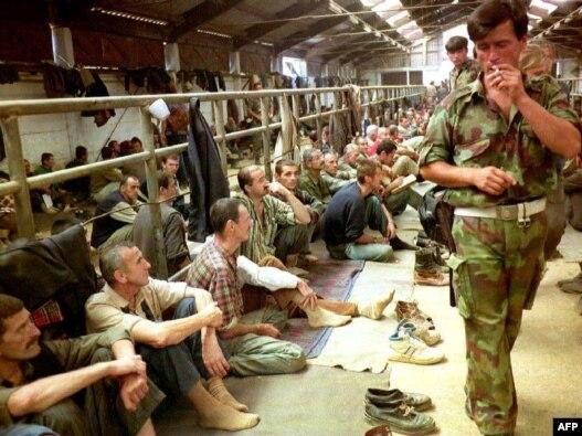 Fotografija iz Logora Manjača, avgust 1992