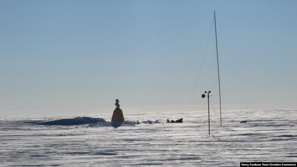 Команда «N2i» британських і канадських дослідників досягла «Полюсу недосяжності» 19 січня 2007 року. Вони дісталися до цього місця через вітряні і крижані рівнини континенту за допомогою повітряних зміїв. Станція на той час виявилася похованою під снігом. Але не Ленін
