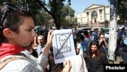Demonstrators in Yerevan protest against Armenia's surprise announcement earlier this month that it was joining a Russian-led customs union.