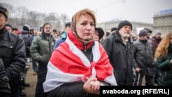 Натальля Папкова падчас «Маршу абураных беларусаў» 17 лютага