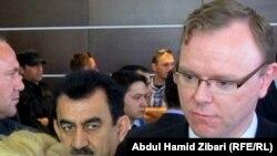 کارل ماگنوس نسر، سفیر سوئد در اسرائیل (راست)