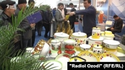Выставка узбекских промышленных товаров в Душанбе, 10 марта 2018 года.