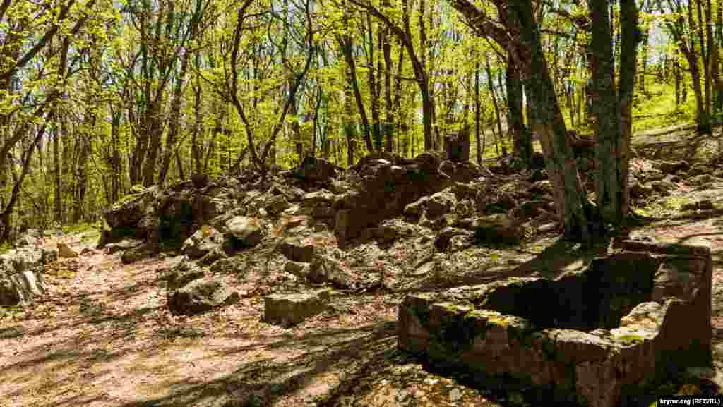 Руїни стародавнього храму Святого Іллі