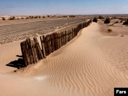 Засуха в Иране. 2010 год. 20 лет назад здесь были зеленые поля